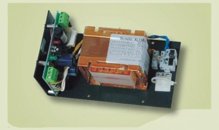 Per apparati elettronici 12,0V 1,5A dimensioni 148x90x68 mm