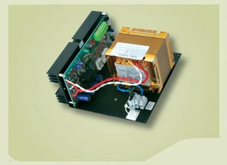 Per apparati elettronici 12,0V 5,0A dimensioni 188x190x94 mm